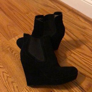 Seychelles suede platform heeled booties - Size 8